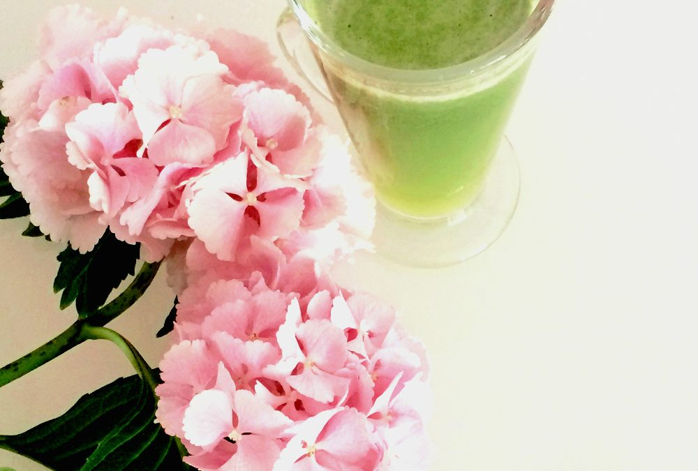 START YOUR DAY WITH A GREEN JUICE